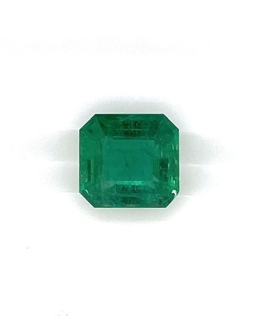 emerald-cut-gem-6-carat