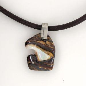 Opal-pendant-detach