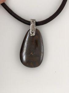 Detachable-opal-pendant-ironstone-boulder-reverse