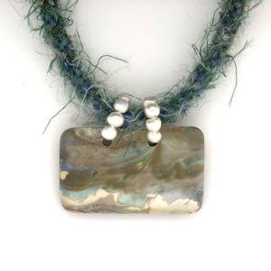 Mohair-opal-collier-bolda