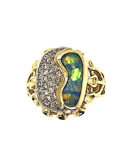 Boulder-opal-yellow-gold-ring