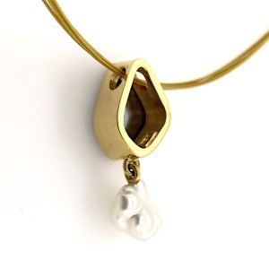 Gold-keshi-pearl-boulder-opal-pendant-reverse