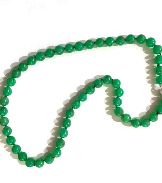 Chrysoprase-8mm-round-bead-strand
