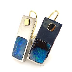 Kubik-earrings-boulder-opal-be-bolda-silver-g Kubik-earrings-boulder-opal-silver-gold