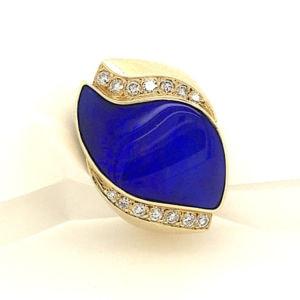 Luli-yellow-gold-diamond-boulder-opal-ring