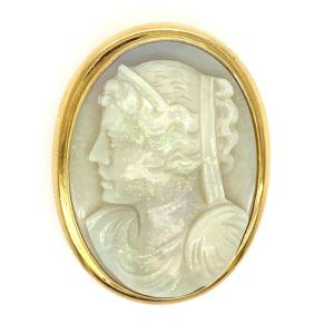 Opal-Cameo-gold-pendant-fine