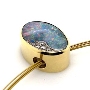 Kosmos-bolda-opal-pendant