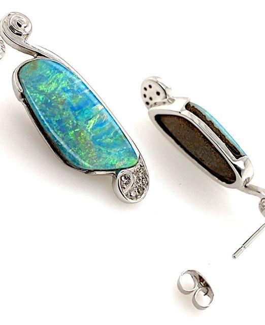 Luli-bolda-gold-opal-diamond-earring-designer